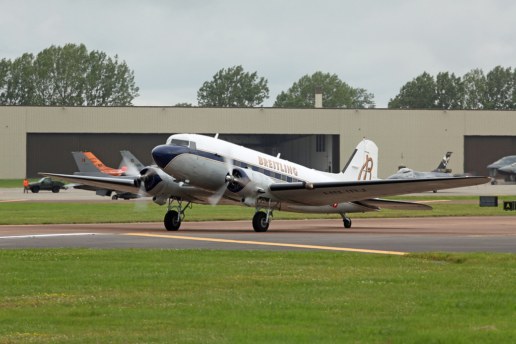 HB-IRJ Douglas DC-3 'Dakota' (RAF Fairford) Breitling:Super Constellation Flyers Association
