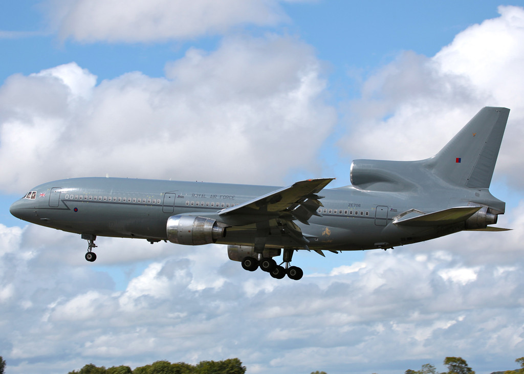 ZE706 RAF Tristar on finals to Brize Norton