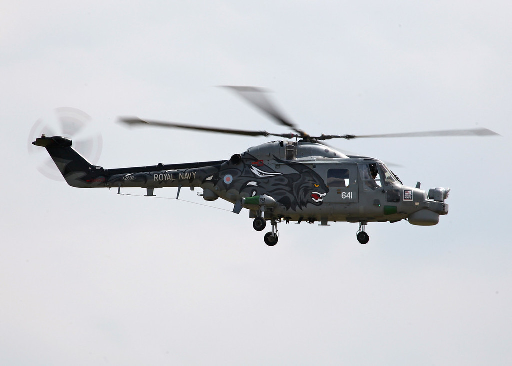 XZ692 / 641 Lynx HMA8, Royal Navy (Waddington Airshow 2011)