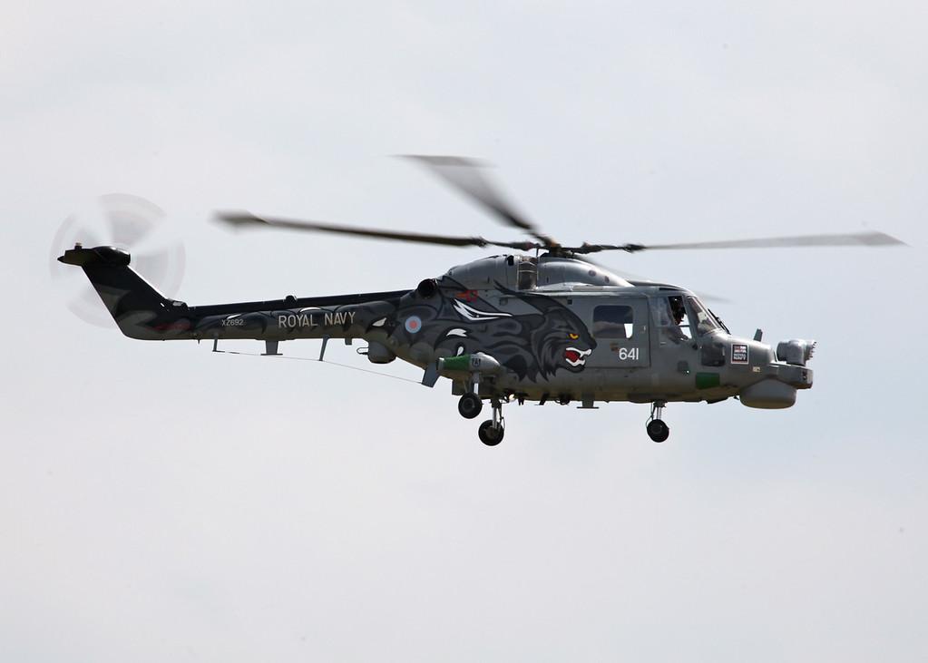 XZ692 / 641 Lynx HMA8, Royal Navy (Waddington Airshow 2011)