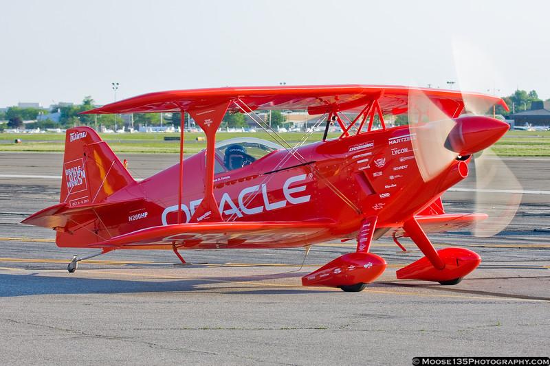 Sean Tucker departing for a photo flight.
