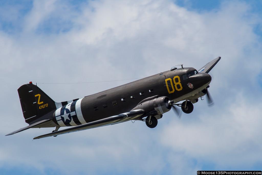 IMAGE: http://moose135.smugmug.com/Airplanes/Air-Shows/Jones-Beach-Air-Show-2013/i-HmSSLrH/0/XL/JM_2013_05_26_AAM_004-XL.jpg