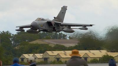 Panavia Tornado GR4, Tornado Role Demo, No XV Reserve Squdron, RAF Lossiemouth.