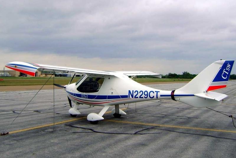 Flight Design GmbH CTSW [2007] N229CT<br /> Grand Prairie Airport, Grand Prairie, Texas - April 2008