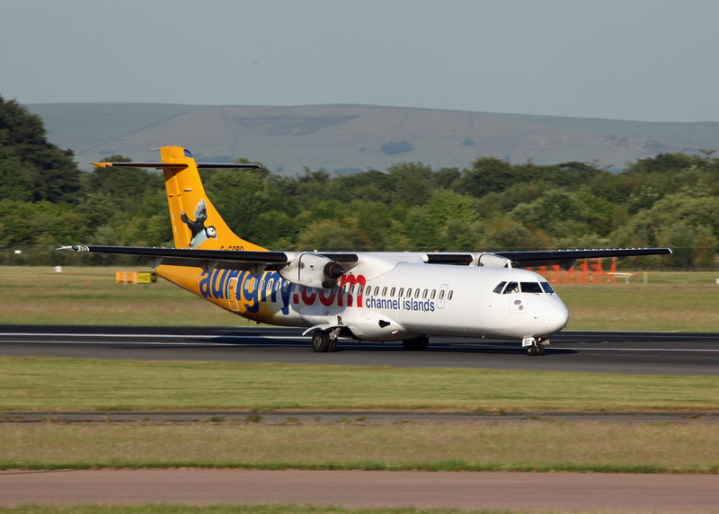 G-COBO ATR 72-212 A (MAN) AURIGNY (Channel Islands) (4)