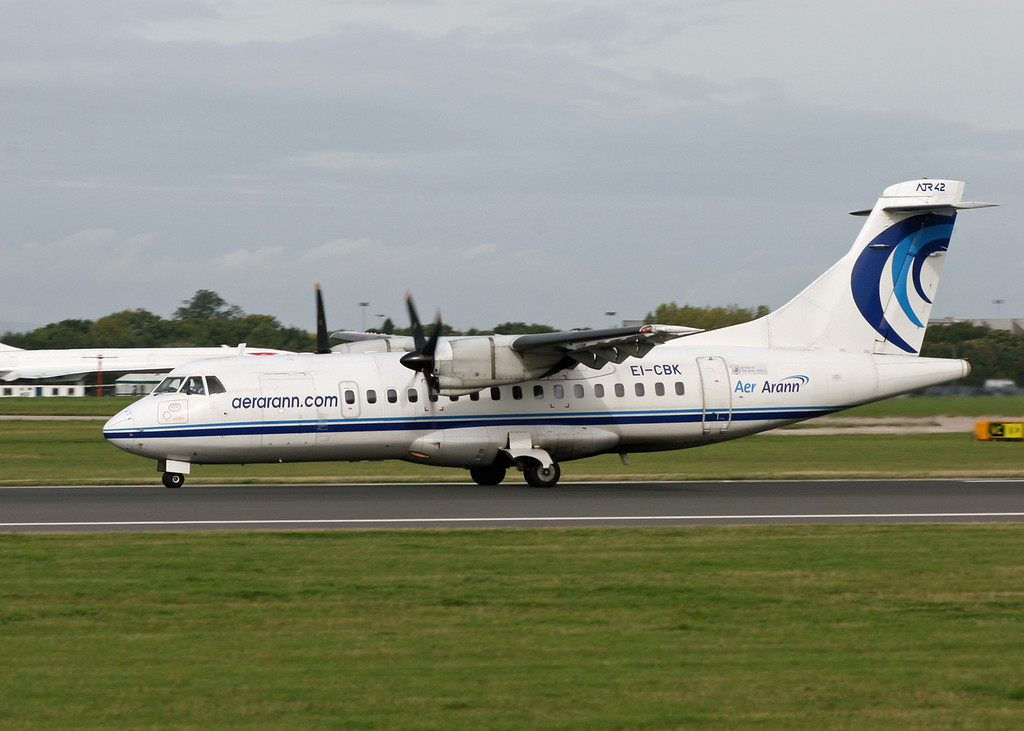 EI-CBK ATR42-300 (MAN) Aer Arann 2