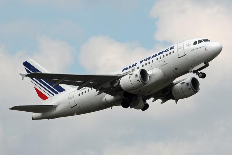 F-GUGQ Airbus A318-111 (Birmingham) Air France