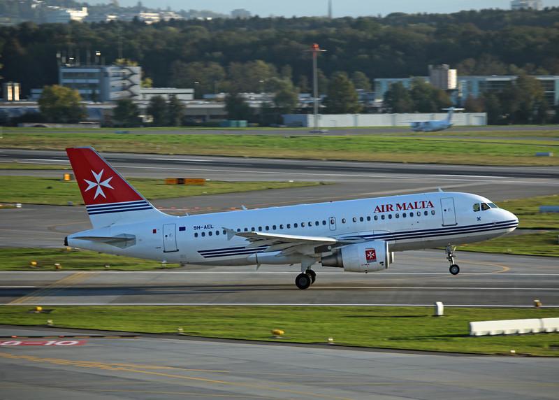 9H-AEL Airbus A319-111 (Zurich) Air Malta 2