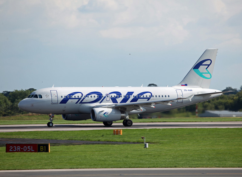 S5-AAR A319-132 (MAN) Adria Airways 5