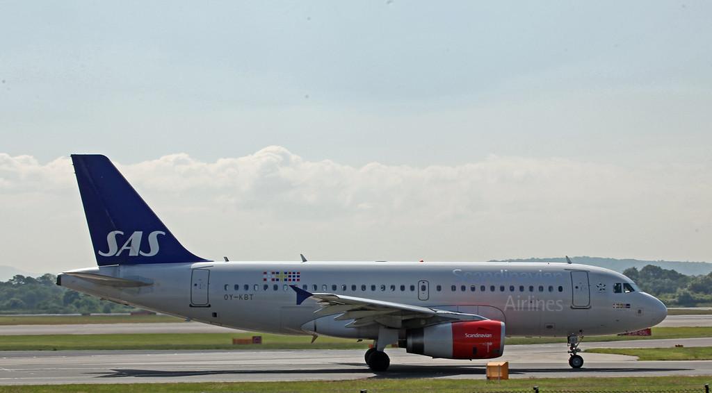 OY-KBT A319-100 (MAN) SAS Scandinavian Airlines 2