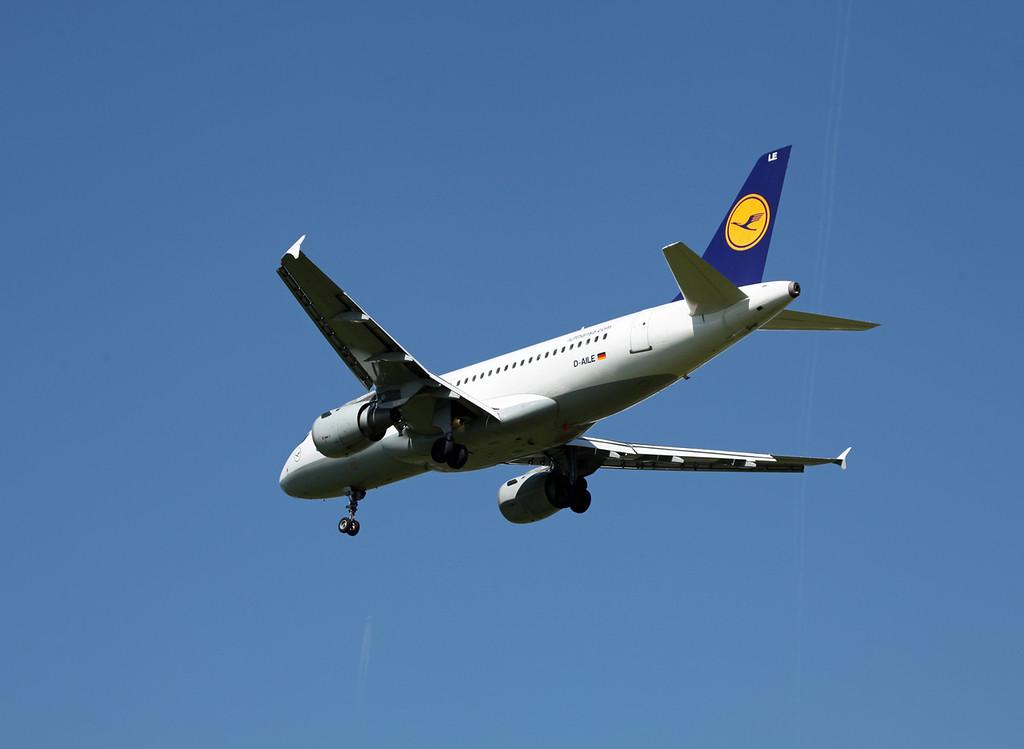 D-AILE A319-114 (MAN) Luthansa (3)