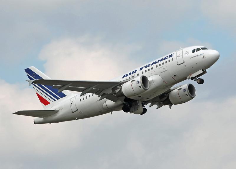 F-GUGQ Airbus A319-111 (Birmingham International) Air France