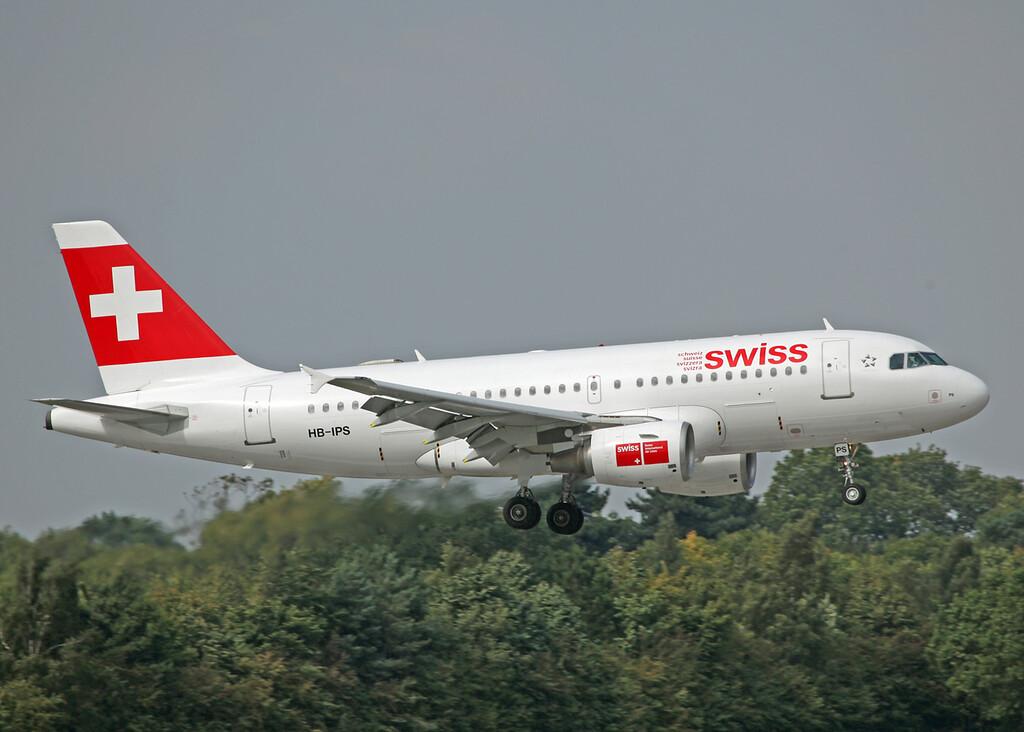 HB-IPS A319-100 (MAN) Swiss International Air Line3