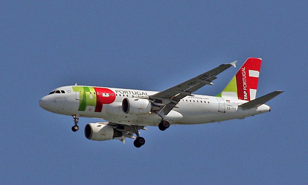 CS-TTE Airbus A-319-111 (Over Lisbon) TAP Air Portugal