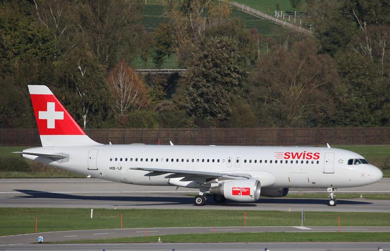HB-IJP Airbus A320-214 (Zurich) Swiss International Air Lines