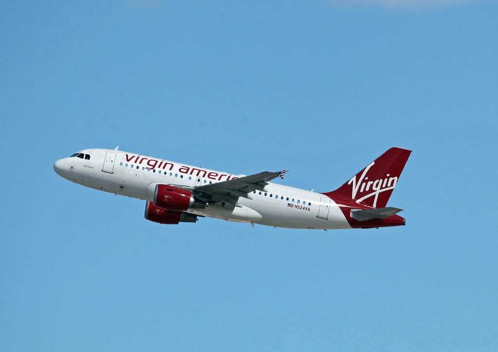 N524VA A319-112 (LAS) Virgin America (2)