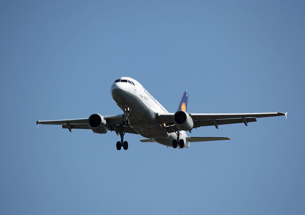 D-AILE A319-114 (MAN) Luthansa (2)