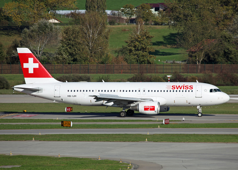 HB-IJH Airbus A320-214 (Zurich) Swiss International Air Lines