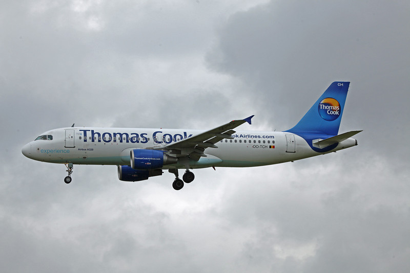 OO-TCH A320-200 (MAN) Thomas Cook (2)