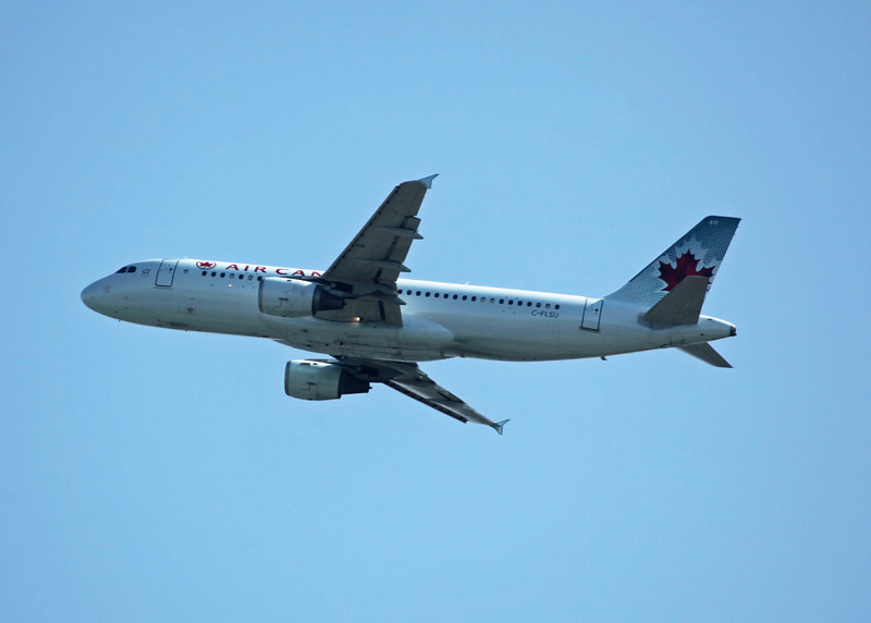 C-FLSU Airbus A320-211 (in flight over Vancouver) Air Canada