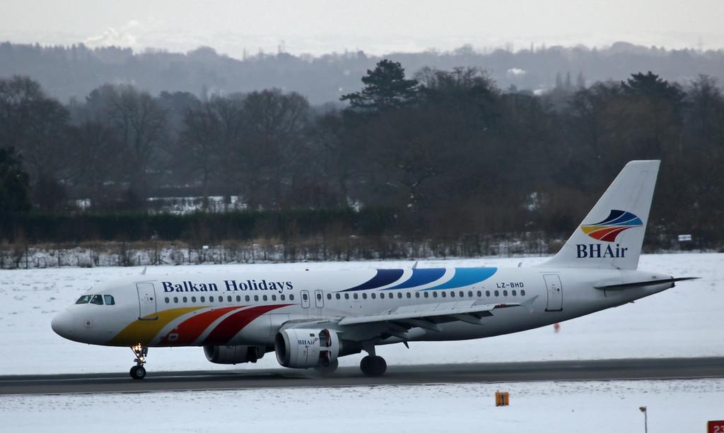 LZ-BHD A320 (MAN) Balkan Holidays (2)