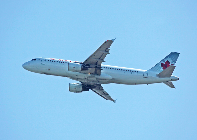 C-FGYL Airbus A320-211 (in flight over Vancouver) Air Canada 2