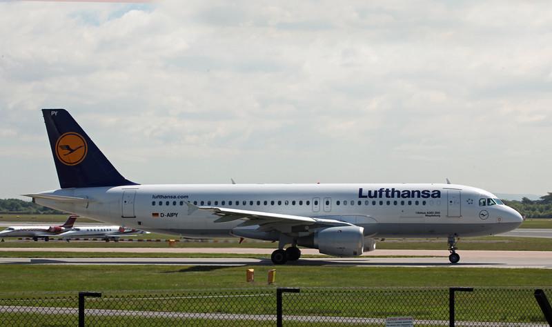 D-AIPY Airbus A320-200 (MAN) Lufthansa