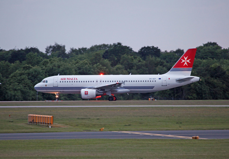 9H-AEF A320-200 (MAN) Air Malta (2)