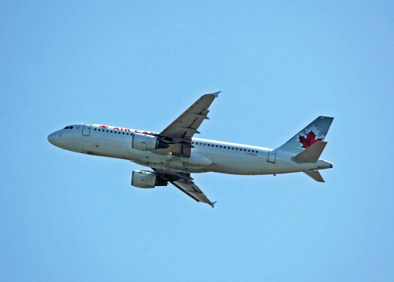 C-FGYL Airbus A320-211 (in flight over Vancouver) Air Canada