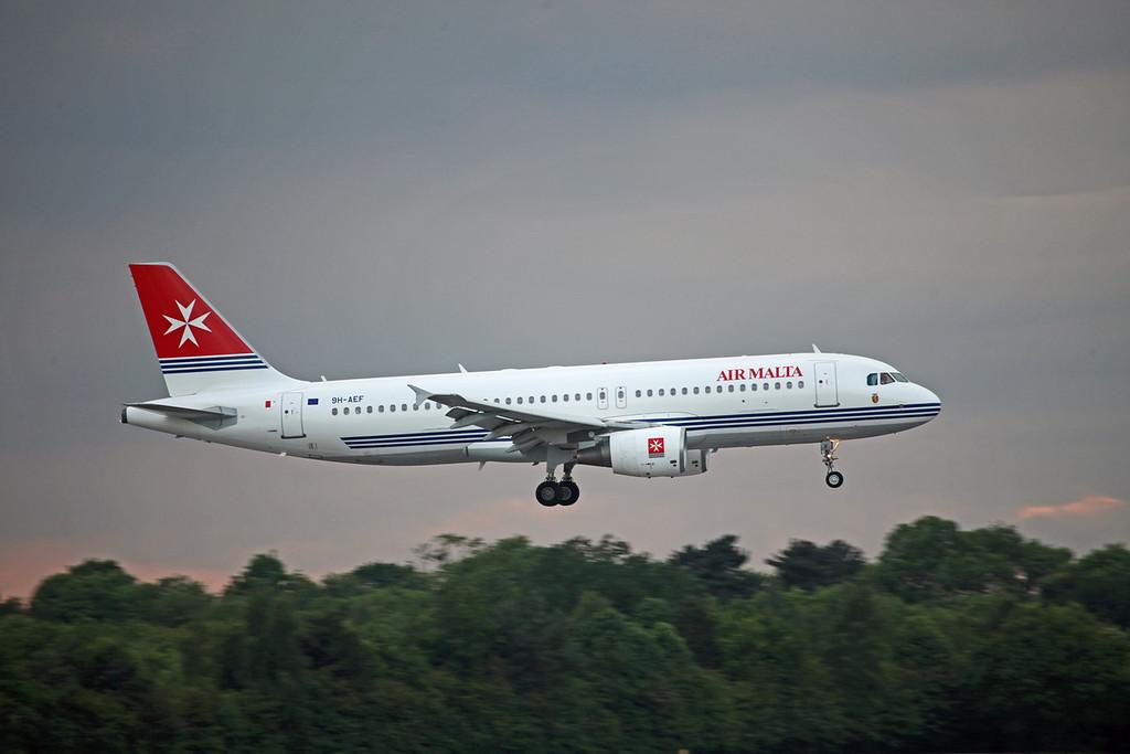 9H-AEF A320-200 (MAN) Air Malta