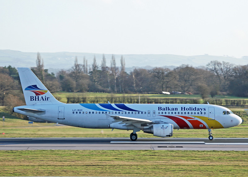 LZ-BHC Airbus A320-211 (MAN) Balkan Holidays Air