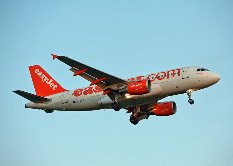 G-EZFO Airbus A320-214 (Glasgow Airport) Easyjet