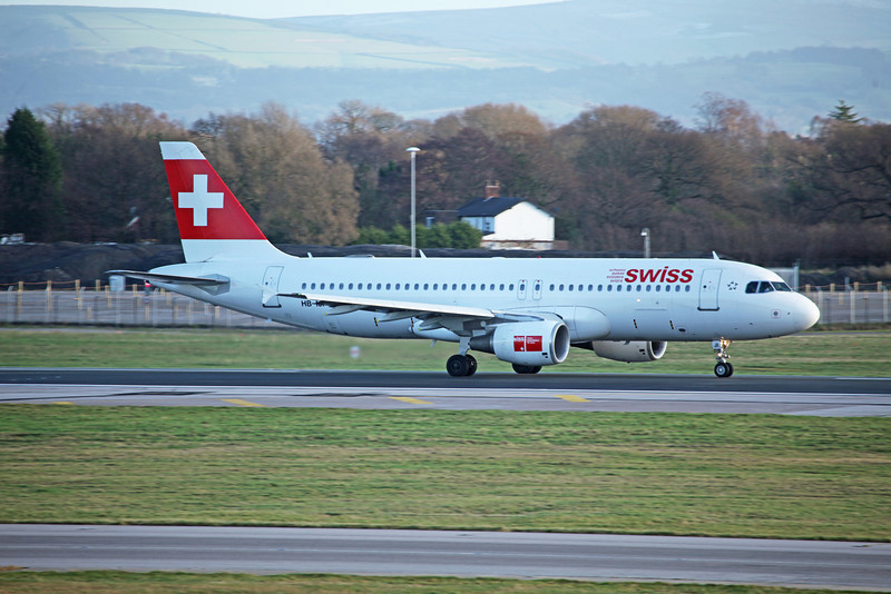 HB-IJI Airbus A320-214 (MAN) Swiss Air