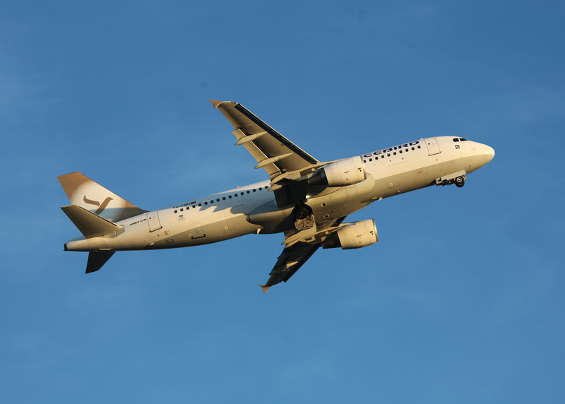 TC-FBH Airbus A320 (Glascow Airport) Freebird Airlines