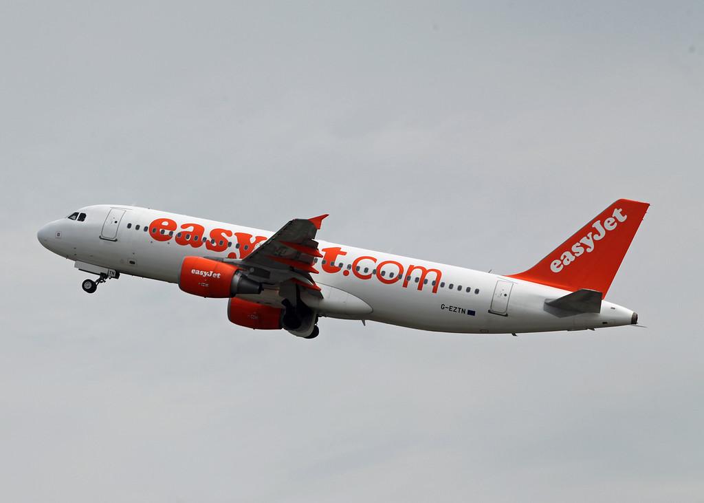 G-EZTN Airbus A320-214 (MAN) Easyjet