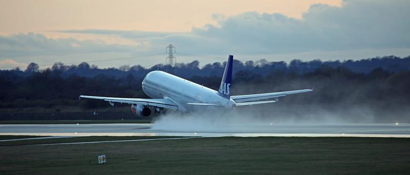 LN-RKI A321-231 (MAN) SAS (3)