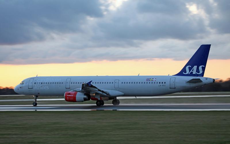 LN-RKI A321-231 (MAN) SAS (2)