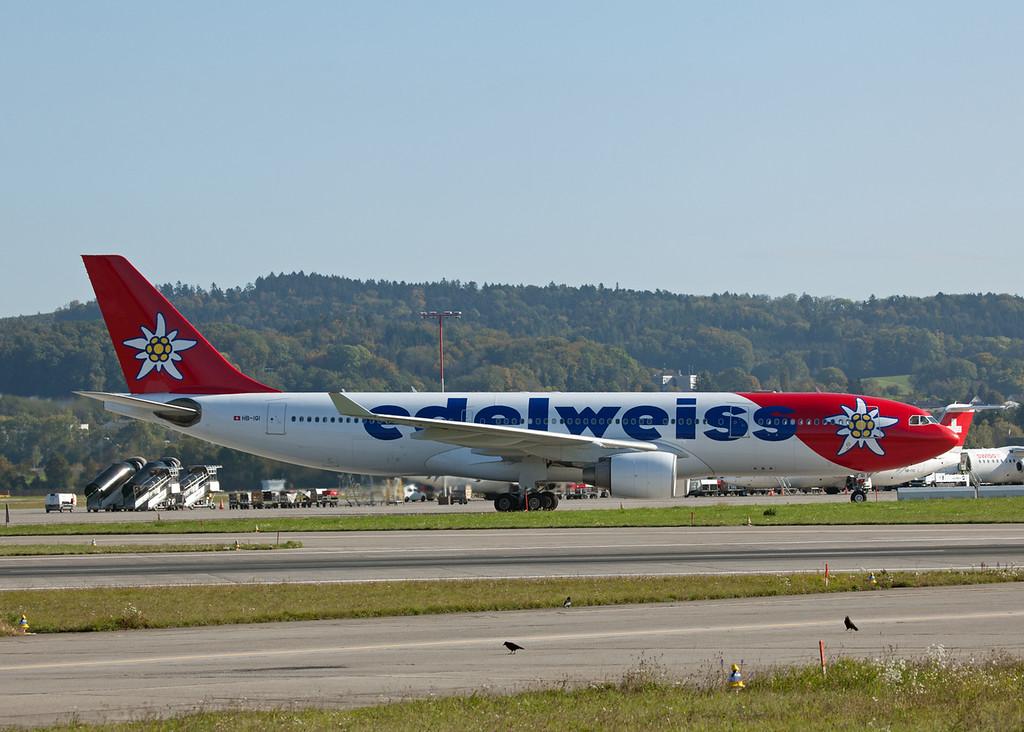 HB-IQI Airbus A330-223 (Zurich) Edelweiss Air
