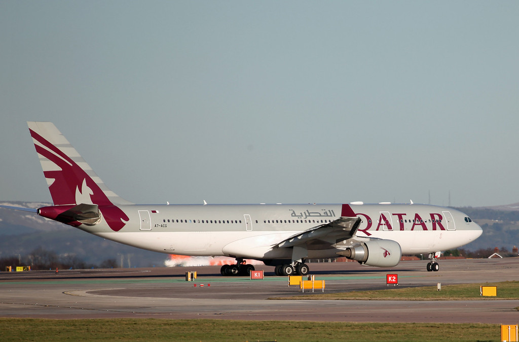 A7-ACG A330-202 (MAN) Qatar Airways (2)