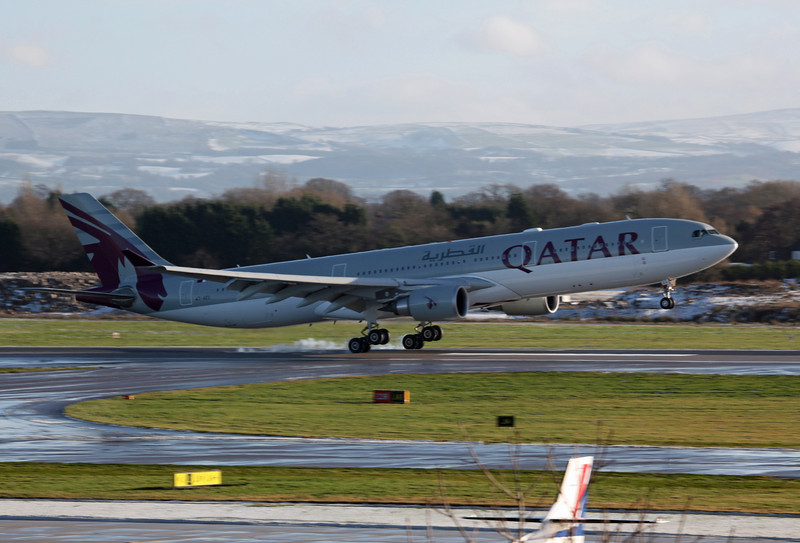 A7-AEG A330-202 (MAN) Qatar Airways (4)