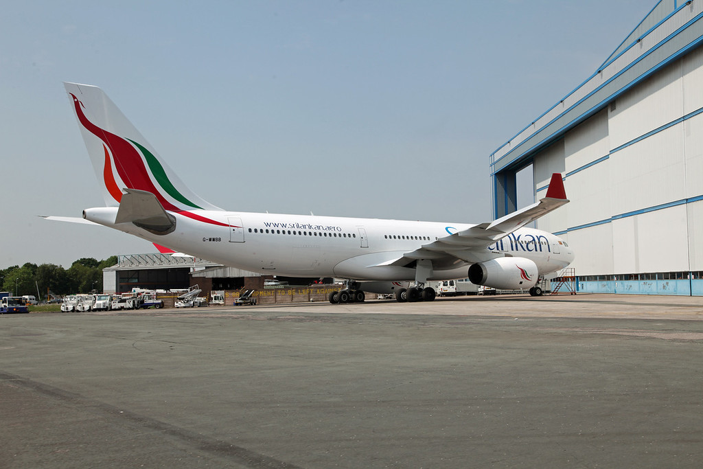G-WWBB A330-200 (MAN) Sri Lankan 2