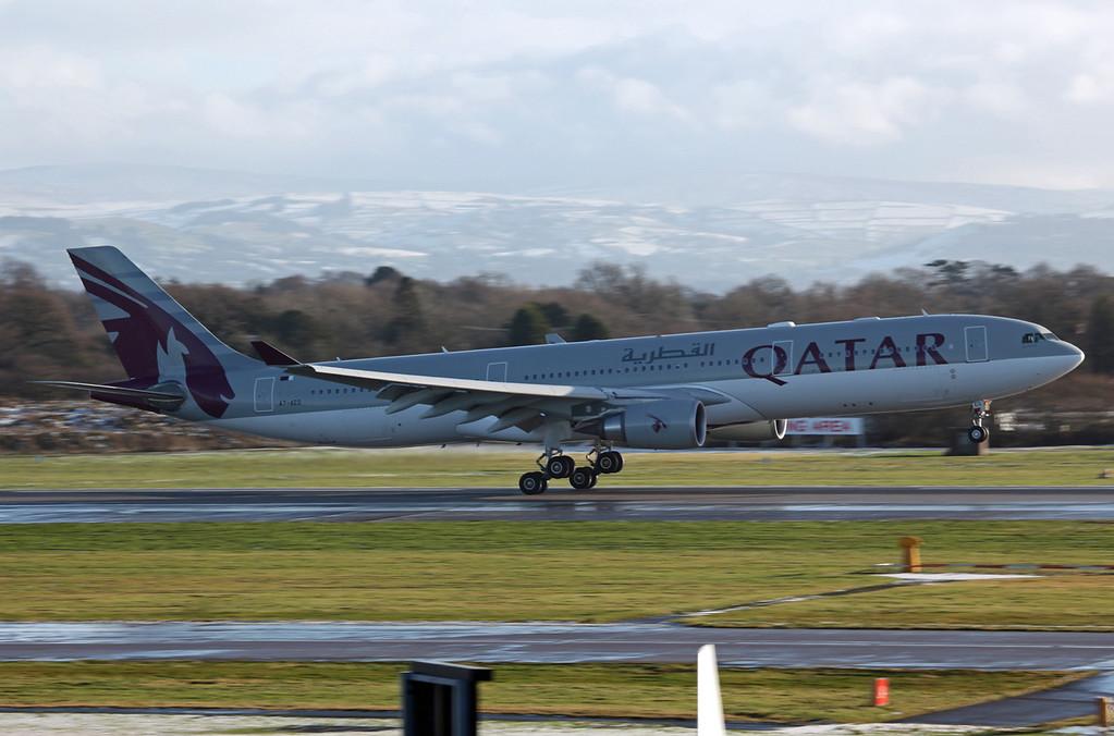 A7-AEG A330-202 (MAN) Qatar Airways (1)