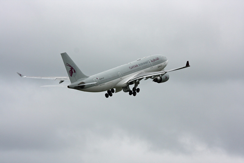 A7-ACD A330-200 (MAN) Qatar Airways (2)