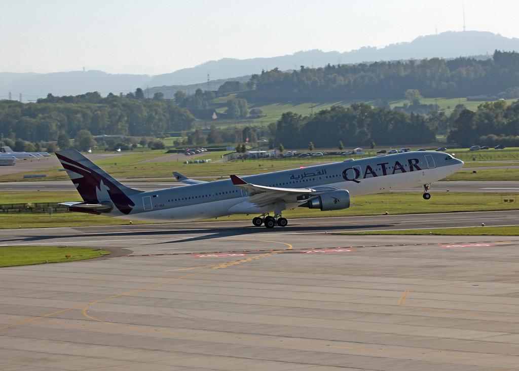 A7-AEA Airbus A330-303 (Zurich) Qatar Airlines 2