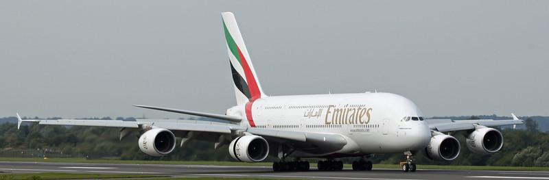 A6-EDI A380-800 (MAN) Emirates 5