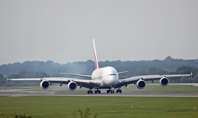 A6-EDI A380-800 (MAN) Emirates 2