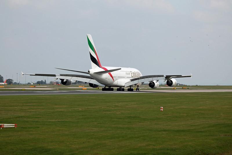 A6-EDI A380-800 (MAN) Emirates 7