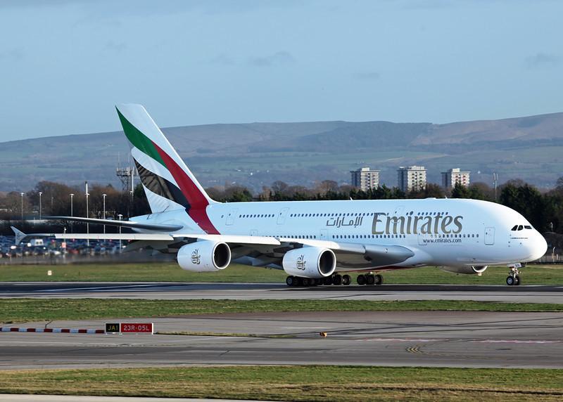 A6 EDG Airbus A380-800 (MAN) Emirates 2