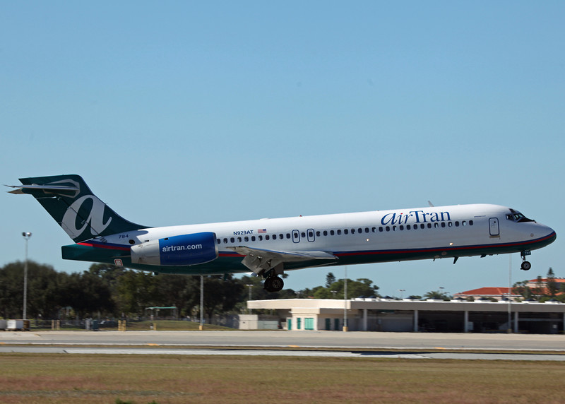 N929AT B717-200 (MCO) Air Tran