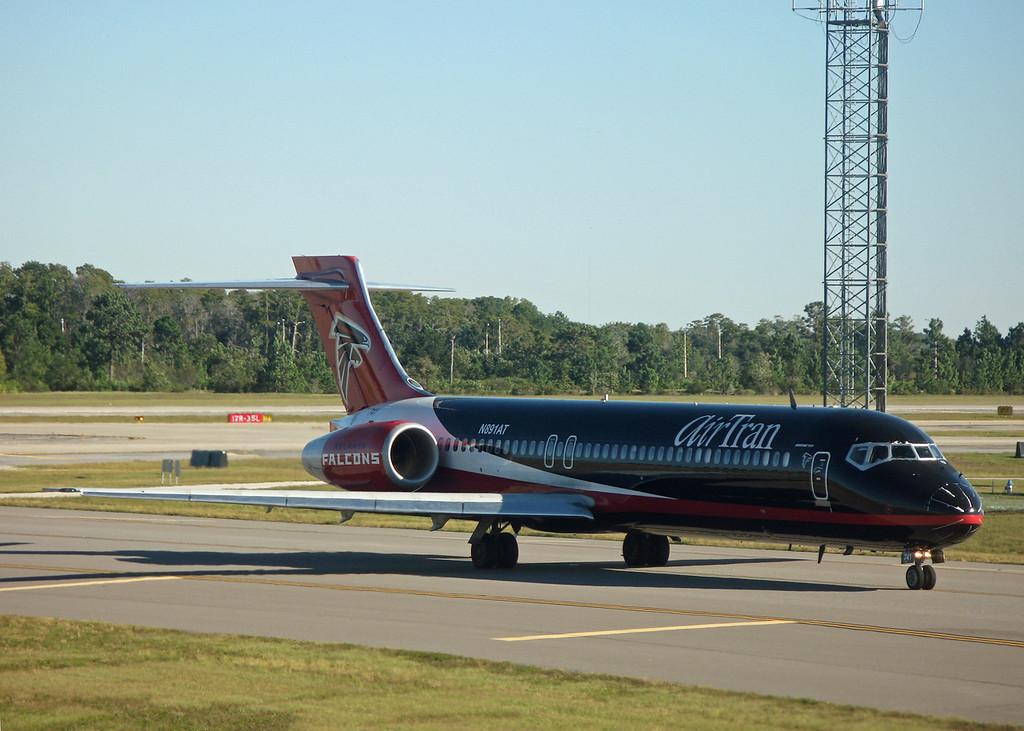 N891AT B717-200 (MCO) Air Trans [Atlanta Falcons cs] 2